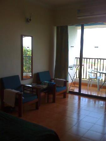 Palmarinha Resort & Suites: The room