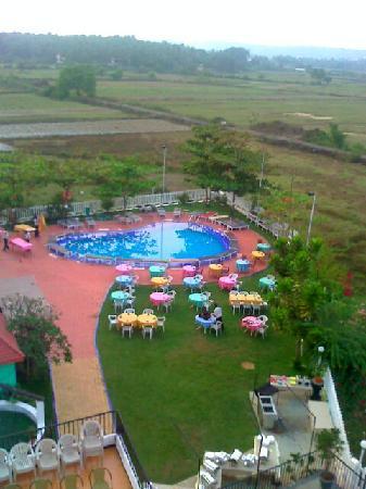 Palmarinha Resort & Suites: The other swimming pool