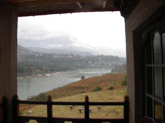 Punatsangchhu Cottages: Room with a view . . .