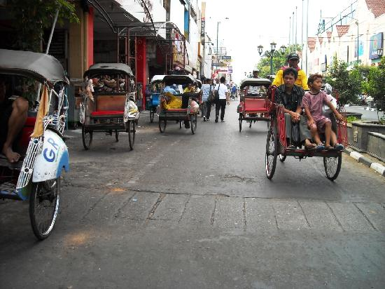 Malioboro Road: Jalan Malioboro マリオボロ通り(ジョグジャカルタ)