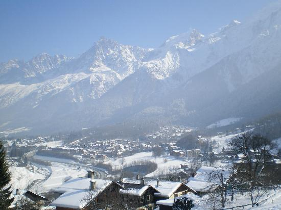 Les Houches, Francia: View out the lounge window!