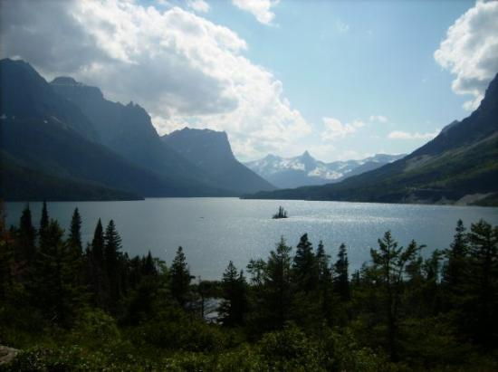 The most photographed spot in Glacier National Park