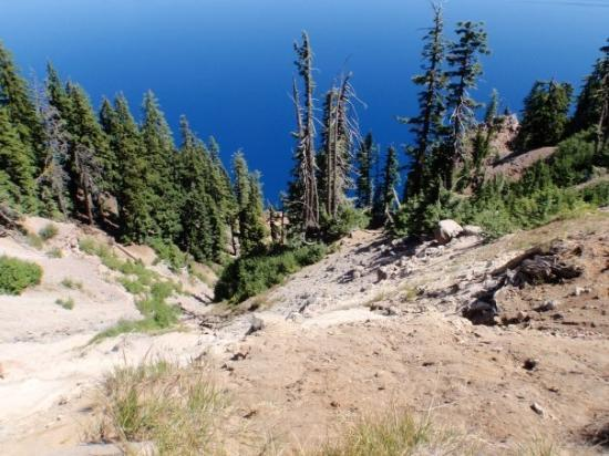 Crater Lake National Park, OR: It's a long way down!
