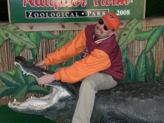 St. Augustine Alligator Farm Zoological Park: I'll best you yet, foul creature!