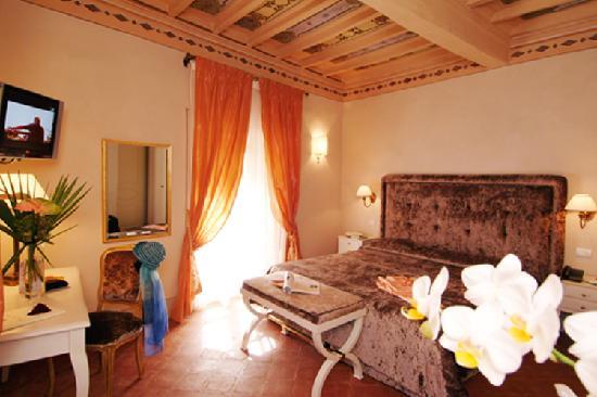 Palazzo San Niccolo': Bella e spaziosa camera matrimoniale