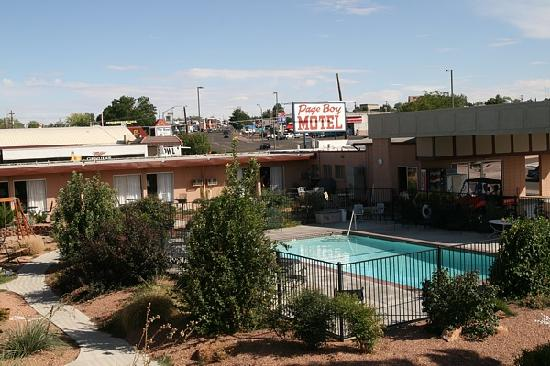 the pool area picture of page boy motel page tripadvisor. Black Bedroom Furniture Sets. Home Design Ideas