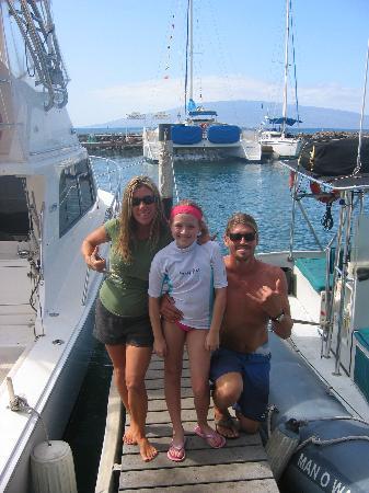 Hawaii Ocean Rafting : Captain Ryan, Noni and daughter