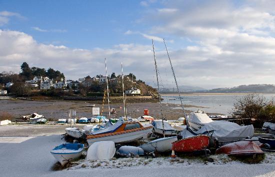 Bron Afon: Borth y gest harbour 100 yards from Bron Afan B&B