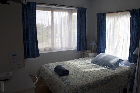 Emu Bay Holiday Homes: Cabin 1