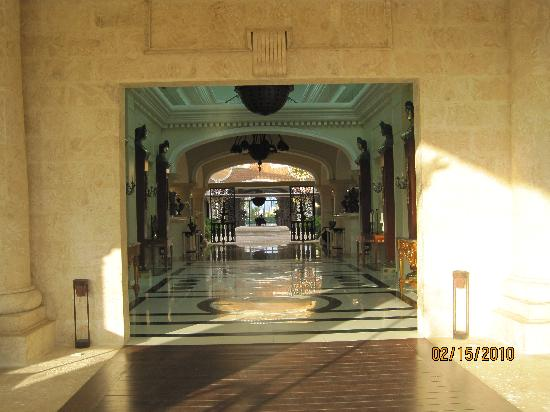 Iberostar Grand Hotel Bavaro: Hallway