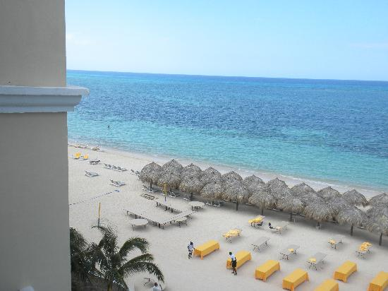 Iberostar Grand Hotel Rose Hall: Our oceanfront view!