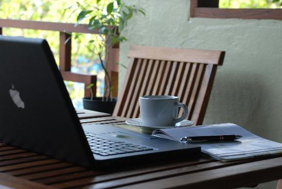 La'ban Diner : Take a break from work...not away!