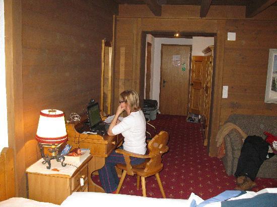 Hotel Gletschergarten: Our room