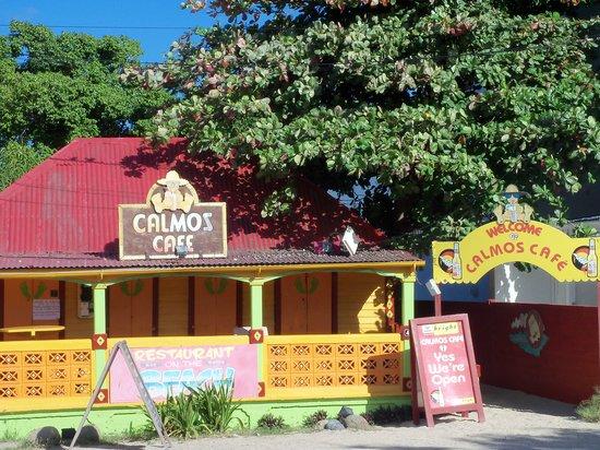 Calmos Cafe : Entrance