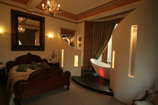 Alamo Guest House: ROOM 12- LUXURY EN-SUITE WITH VIEWS OVER KELVINGROVE