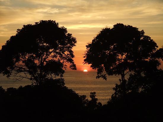 Centara Villas Phuket: Sunset from the restaurant