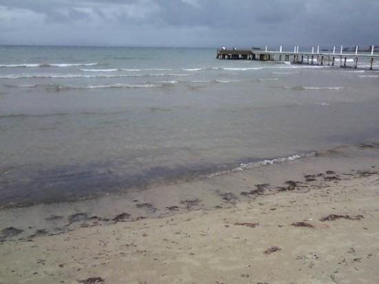 Barahona, Dominican Republic: Sonofabeach look at the clouds now.