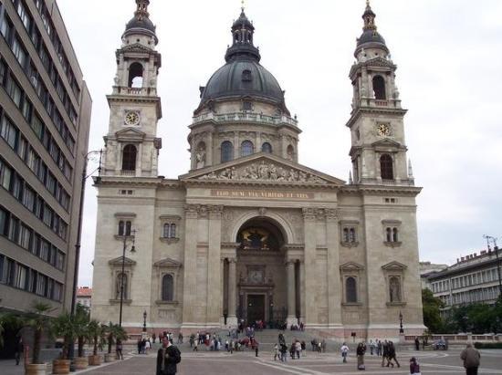 Basilique Saint-Étienne de Pest : Saint Stephen's Basilica