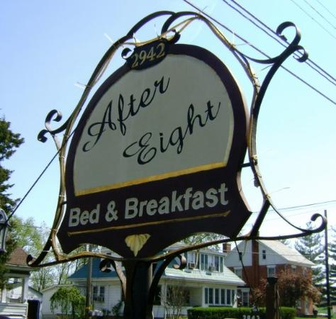 After Eight Bed & Breakfast: Paradise B&B...the After Eight