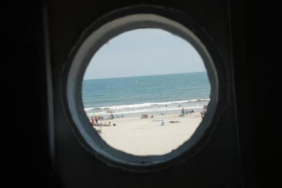 Margate City, NJ: This is the view from Lucy's right eye.