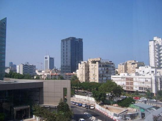 ‪فيتال هوتل تل أبيب بيزنيس بوتيك هوتل: Picture of Tel Aviv from Vital hotel room‬