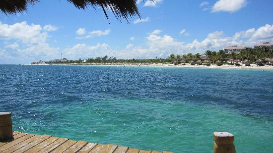Amar Inn B&B: From pier in front of Ceiba del Mar, 10 min walk north of PM