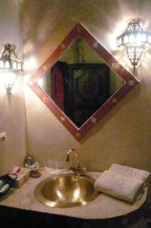 Riad Nomades: Bathroom