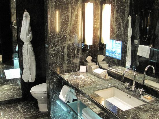 The Hazelton Hotel : Washroom