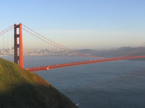 Golden Gate Bridge: San Francisco