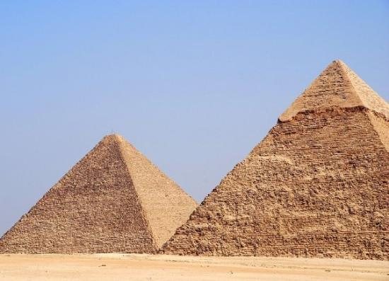 a history of the great pyramid of khufu cheops Location of the great pyramid of giza history - when was the great pyramid built   khufu (greek cheops) 2589 - 2566 as the king who erected the great.