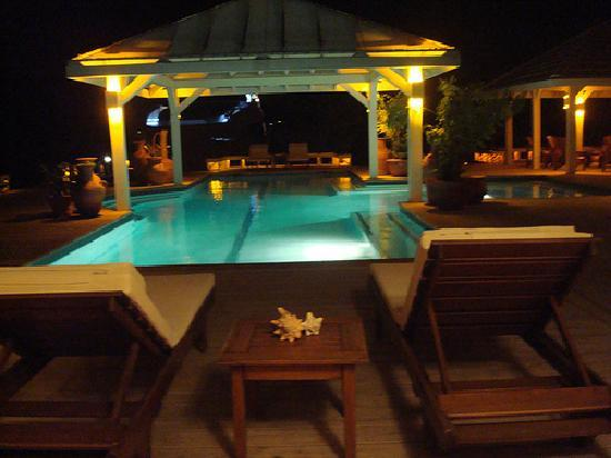 Barefoot Cay Resort: Pool at Night