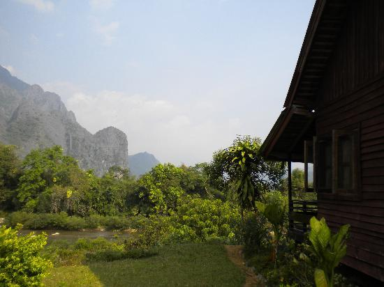 Vang Vieng Eco Lodge: view from the side