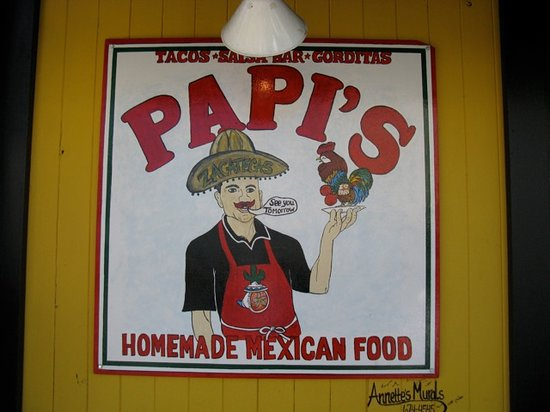 Papi's: Sign out front