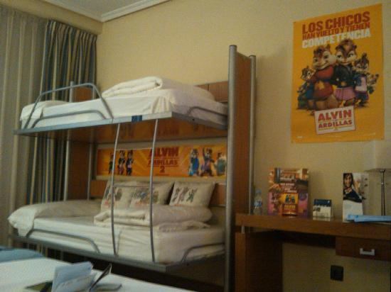 Tryp Madrid Atocha Hotel: Alvin and cihmpmunks room decoration