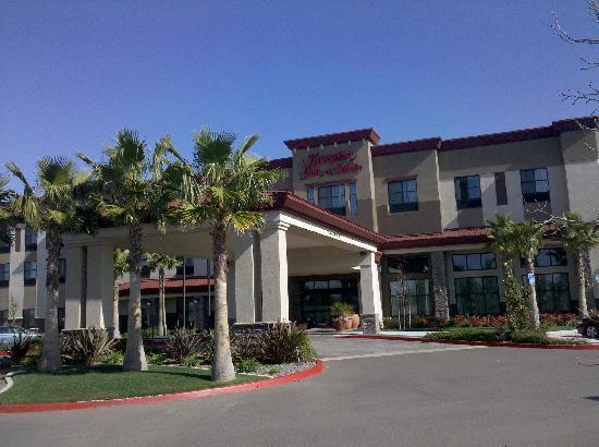 Hampton Inn & Suites San Diego-Poway: Hampton Inn and Suites main entrance