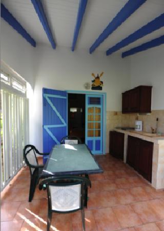 Village de Menard: terrasse de notre bungalow