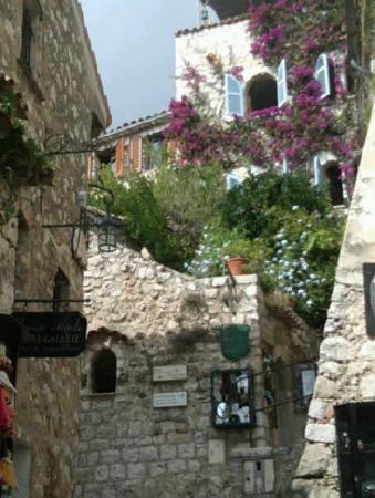 Nietzsche Path: Climbing the hill town of Eze near Monaco
