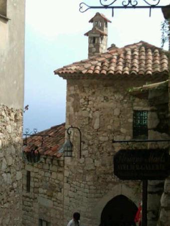 Chemin de Nietzsche : Hilltop village of eze