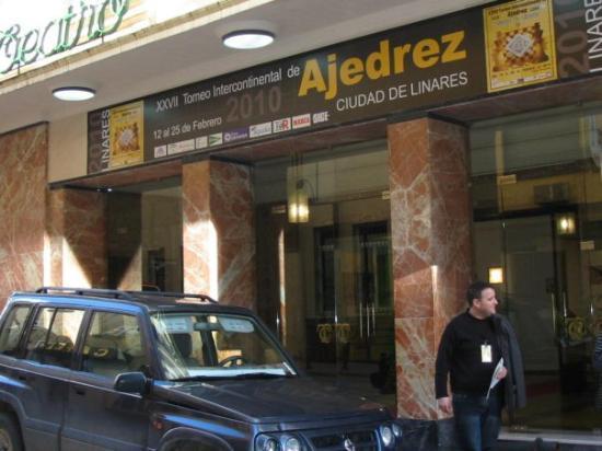 ลีนาเรส, สเปน: Teatro Cervantes, sede del XXVII Torneo Intercontinental de Ajedrez, Ciudad de Linares.