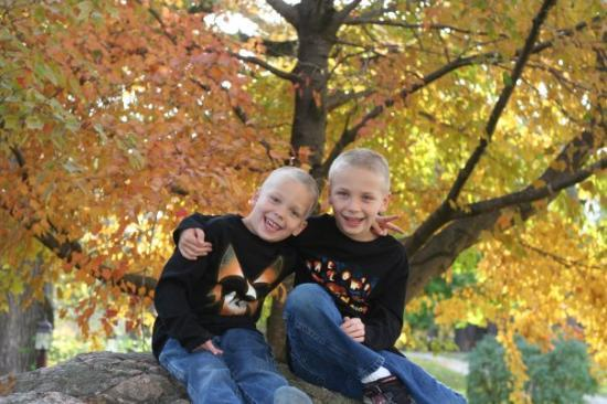 Story City, IA : The goofball boys, can't believe we got at least one good pic.