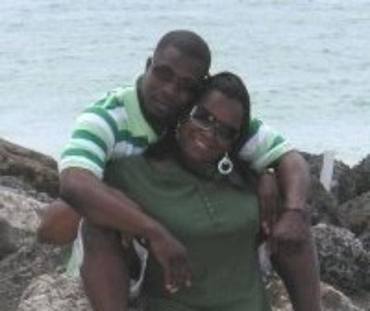 Xanadu Beach: Mr and Mrs Jackson chillaxin' in Freeport, Bahamas.