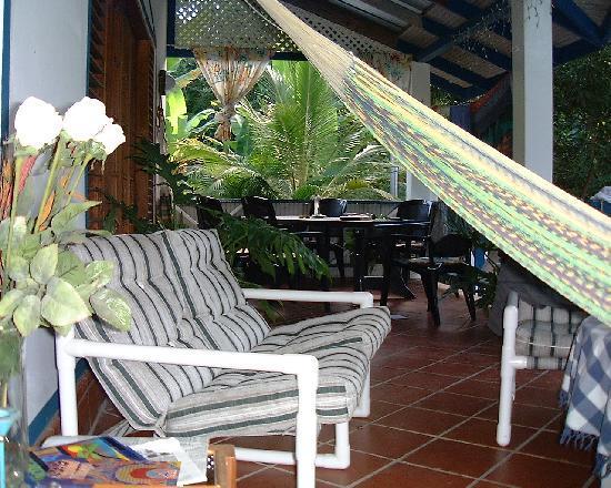 Jemas Guesthouse and Apartments: Hier kann man lernen, was Limen ist: die schönste Tätigkeit von T+T