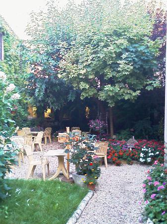 Cluny, Francia: Garten