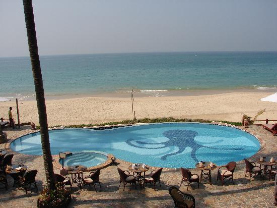 Amazing Ngapali Resort: Infinity pool