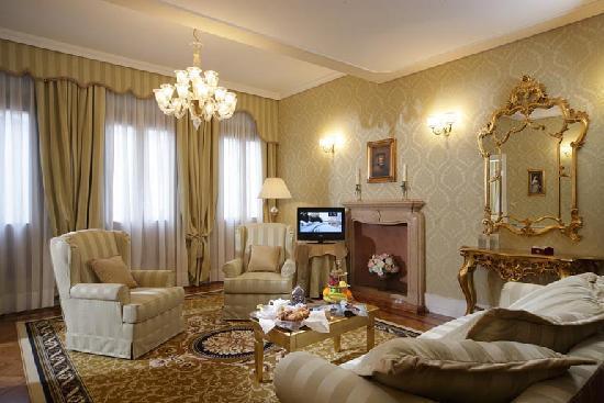 โรงแรมอัล ดูกา ดิ เวเนเซีย: Salotto Suite