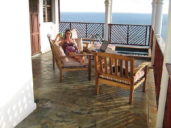 Calibishie Cove: Waking up in paradise