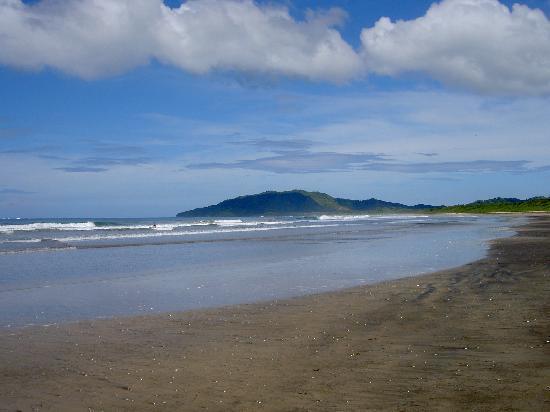Hotel Bula Bula: Natural beach is clean and beautiful