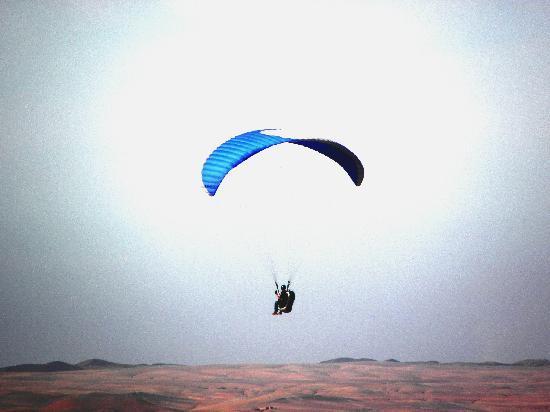 Dar Zitoune: Saut au dessus de la vallée!!