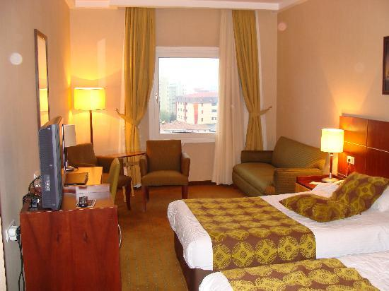 hotel bedroom picture of green park bostanci istanbul. Black Bedroom Furniture Sets. Home Design Ideas