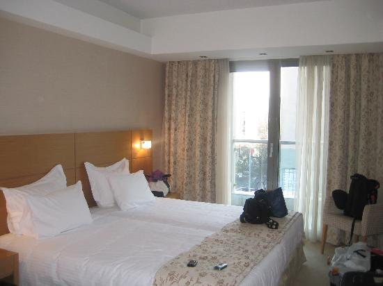 Anatolia Hotel Thessaloniki: Nice triple room :)